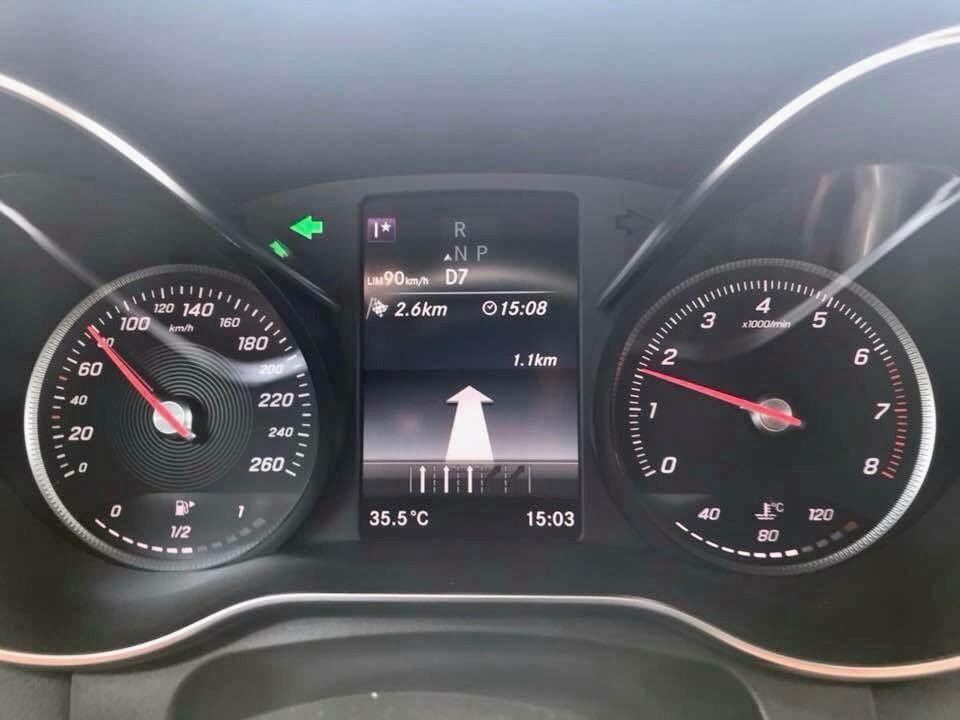 Street Instruction behind Steering Wheel